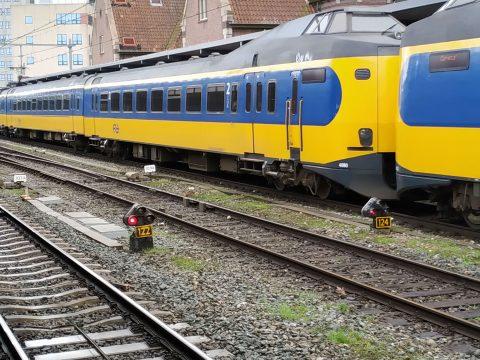 NS-trein op station Deventer