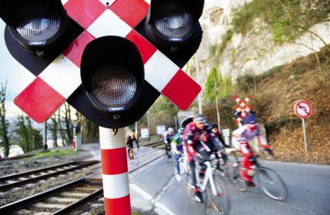 Infrabel zet camera's bij bewaakte spoorwegovergangen.