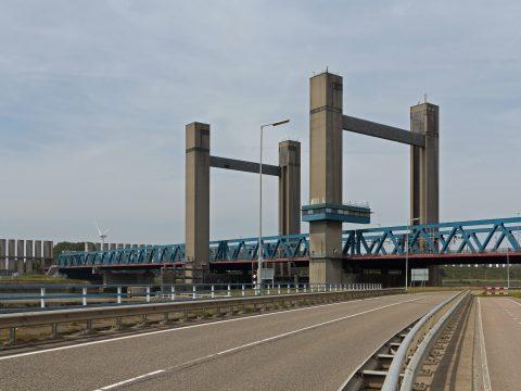 De Calandbrug bij Rozenburg, foto: Michiel Verbeek