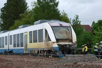 Een passagierstrein en een vrachtwagen zijn met elkaar in botsing gekomen in het Duitse Tübingen, bron: Hollandse Hoogte