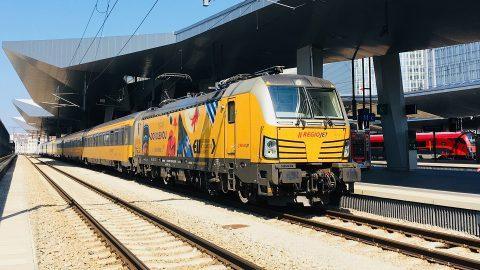 Een trein van RegioJet