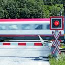 Train_crossing, bron Pilz