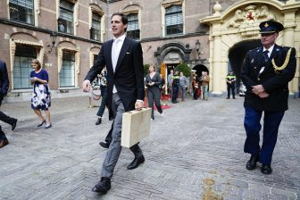 Minister Wopke Hoekstra van Financien is op Prinsjesdag onderweg naar de Tweede Kamer voor de presentatie van de rijksbegroting en miljoenennota, foto: ANP