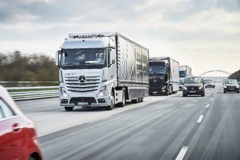 Truckplatooning bij Daimler