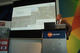 Theo Benjert van de gemeente Rotterdam op het SpoorPro Seminar Trillingen en Geluid