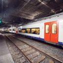 Een passagierstrein van Infrabel in de spoortunnel van de Noord-Zuidverbinding in Brussel