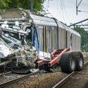 Een NS-trein botste op een trekker in Hooghalen, foto: ANP