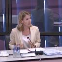 Staatssecretaris Stientje van Veldhoven van Infrastructuur en Waterstaat tijdens het debat over spoorordening
