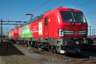 Een goederentrein van DB Cargo