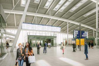 Reisinformatiescherm Utrecht Centraal, bron: NS