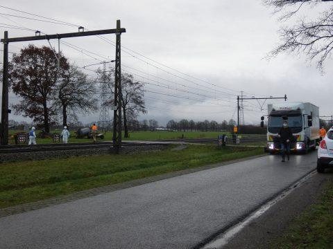 Dode na botsing met trein op onbewaakte spoorwegovergang, bron: AS Media