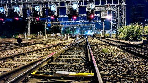 Een zelfsignalerende kortsluitlans van Dual Inventive in het spoor in Leeds