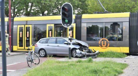 Botsing tram en auto in Nieuwegein, bron: U-OV
