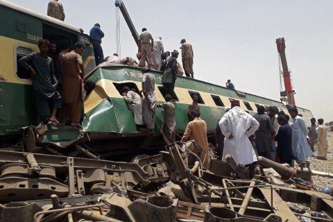 Treinramp in Ghotki Pakistan, foto: ANP