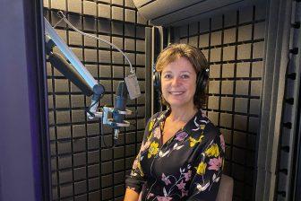 Stemacteur Karin van As nieuwe omroepstem stations, foto: NS