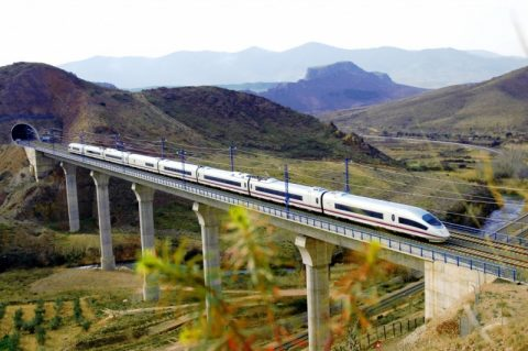Renfe-train-on-viaduct