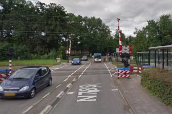 Spoorwegovergang bij station Wolfheze, bron: Google Maps